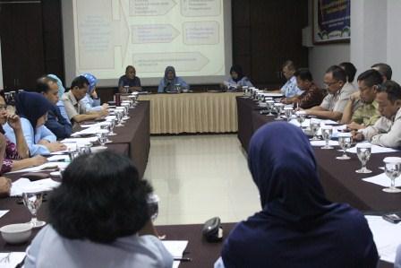 Peserta antusias dalam  mengikuti Sosialisasi hasil penelitian Badan Penelitian dan Pengembangan Hukum dan HAM.